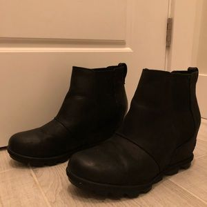 Sorel Shoes - Sorel Joan of Arctic Wedge II Chelsea Booties